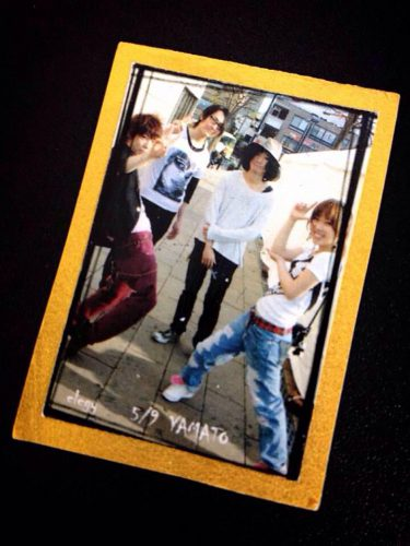 ファンの方がくれた昔のバンドメンバーの写真